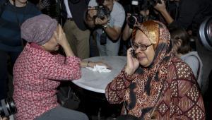 Bliscy ofiar katastrofy Boeinga 777 na lotnisku w Kuala Lumpur, Malezja, 17.07.2014