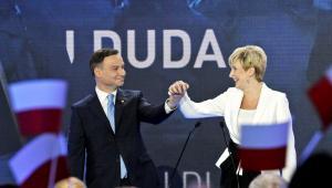 Kandydat Prawa i Sprawiedliwości na prezydenta RP Andrzej Duda z żoną Agatą Kornhauser-Dudą, PAP/Marcin Obara