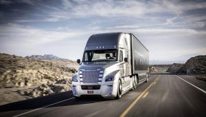 Ciężarówka Daimlera podczas jazdy