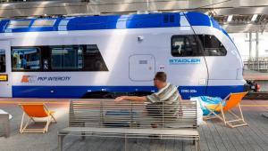 Pociąg Flirt 3 zaprezentowany na dworcu kolejowym w Katowicach - (zuz) PAP/Andrzej Grygiel