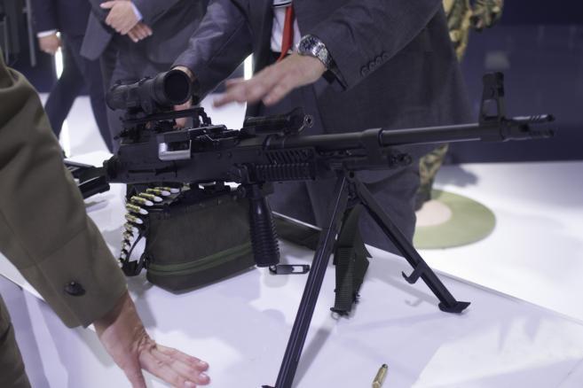 Uniwersalny karabin maszynowy UKM-2000 7,62 mm zaprezentowany podczas XXIII Międzynarodowego Salonu Przemysłu Obronnego w Kielcach. (zuz) PAP/Michał Walczak