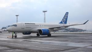 Bombardier CS100podczas wizyty na Lotnisku Chopina fot. PLL LOT