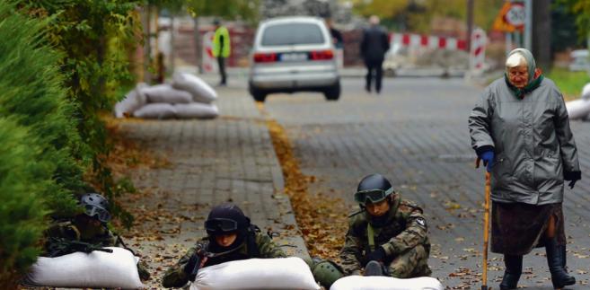 Jednostki wojsk obrony terytorialnej będą rekrutować ochotników m.in. z członków paramilitarnych stowarzyszeń i organizacji proobronnych