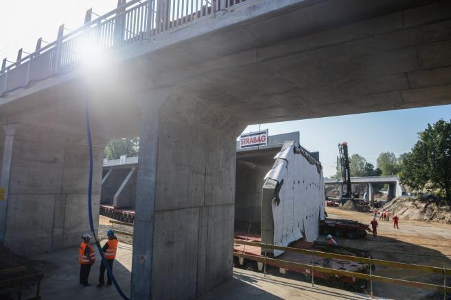 Plac budowy Trasy Świętokrzyskiej w Warszawie (zuz) PAP/Jakub Kamiński