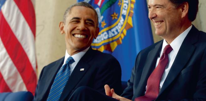 Swoimi działaniami w trakcie kampanii dyrektor FBI James Comey (z prawej) naraził się sztabom obydwojga kandydatów fot. Charles Dharapak/AP