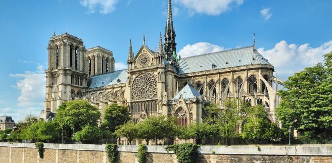 Notre Dame de Paris – gotycka katedra w Paryżu. Jedna z najbardziej znanych katedr na świecie, między innymi dzięki powieści Dzwonnik z Notre Dame francuskiego pisarza Victora Hugo.