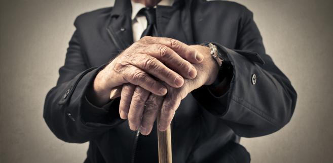emeryt dziadek starsi ludzie dziadkowie