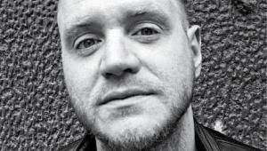 """James Montaguebrytyjski pisarz i dziennikarz. Autor trzech książek o tematyce piłkarsko-społecznej: """"When Friday Comes: Football in the War Zone"""" (2009), """"Thirty One Nil: On The Road With Football's Outsiders, a World Cup Odyssey"""" (2014) oraz wydanej właśnie po polsku """"Klub miliarderów: Jak bogacze ukradli nam piłkę nożną"""" fot. Materiały prasowe"""