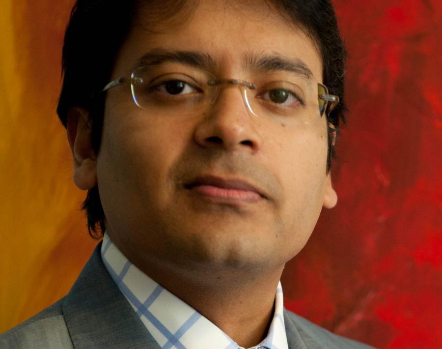 prof. Lutfey Siddiqi ekonomista, inwestor, były bankier inwestycyjny (pracował dla UBS); wykładowca London School of Economics i Narodowego Uniwersytetu Singapuru; członek Komitetu Bretton Woods
