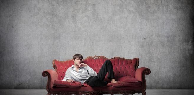 Spadająca aktywność zawodowa młodych mężczyzn pogarsza ogólną efektywność gospodarki