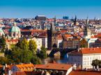 12. miejsce - Praga – co można napisać o Pradze? Tylko jedno: jest to miasto warte zobaczenia. Zachwyca swoją architekturą , klimatem oraz licznymi knajpkami, barami i klubami. Choć z roku na rok, staje się coraz droższa, to w 2013 roku dzienny koszt pobytu w Pradze jest możliwy za 41,37 USD.